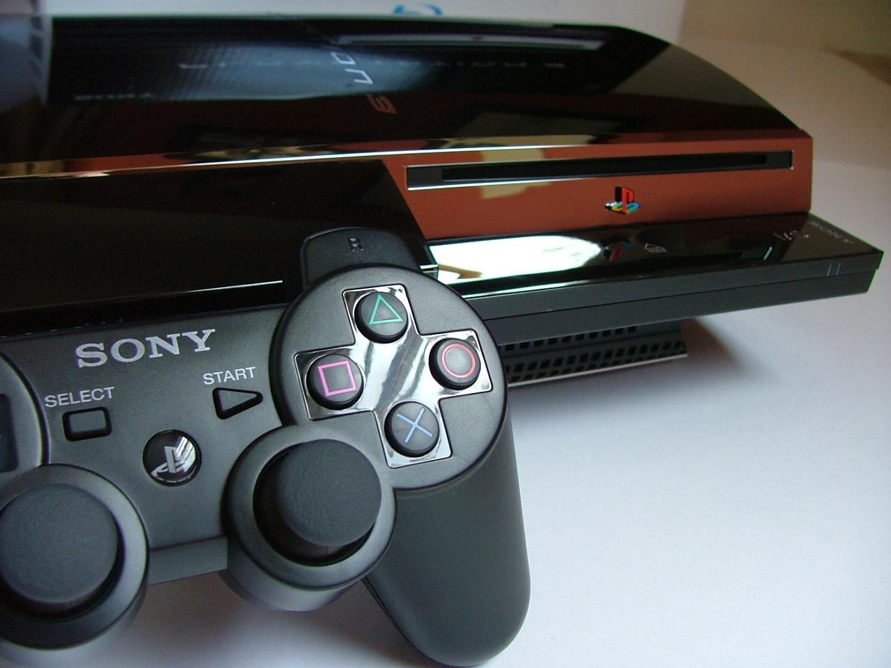 Sony начинает гонения на хакеров