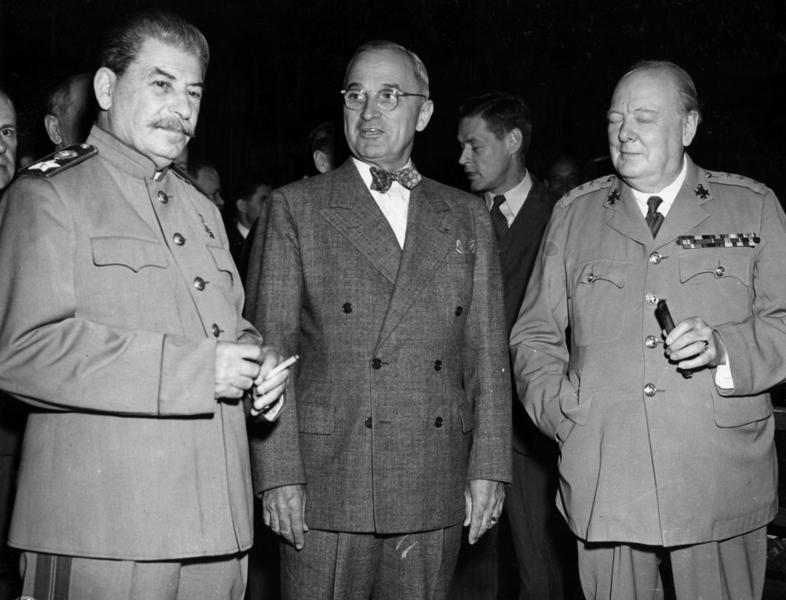 И.Сталин, Г.Трумен, У.Черчилль в Потсдаме