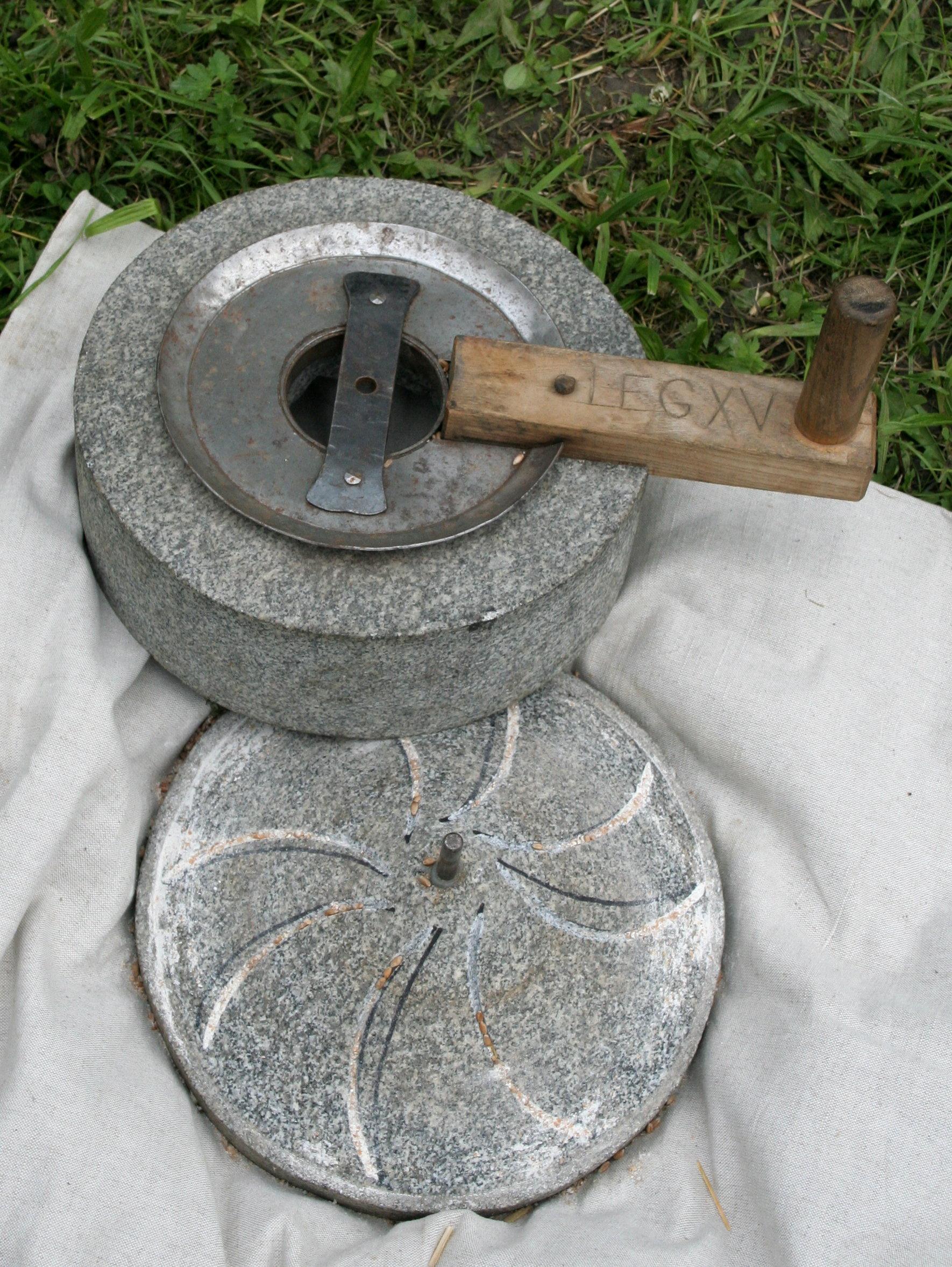 Ручная мельница своими рукам