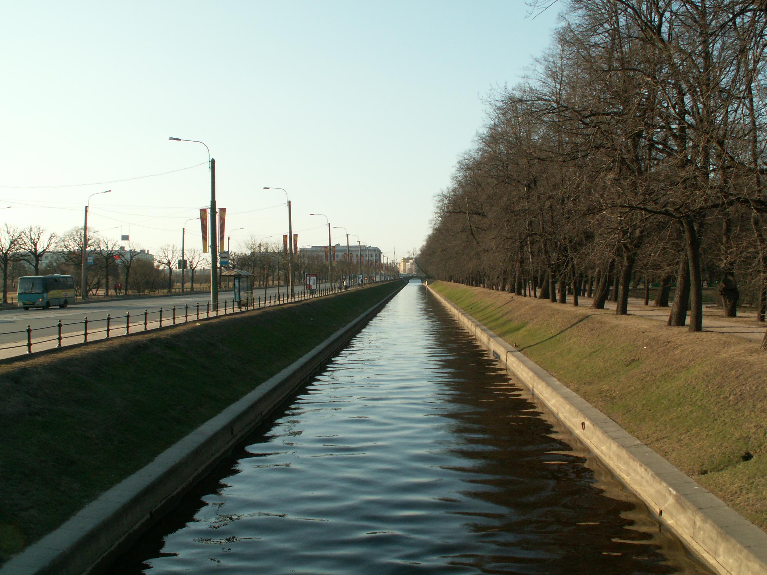 в Летний сад Санкт-Петербурге