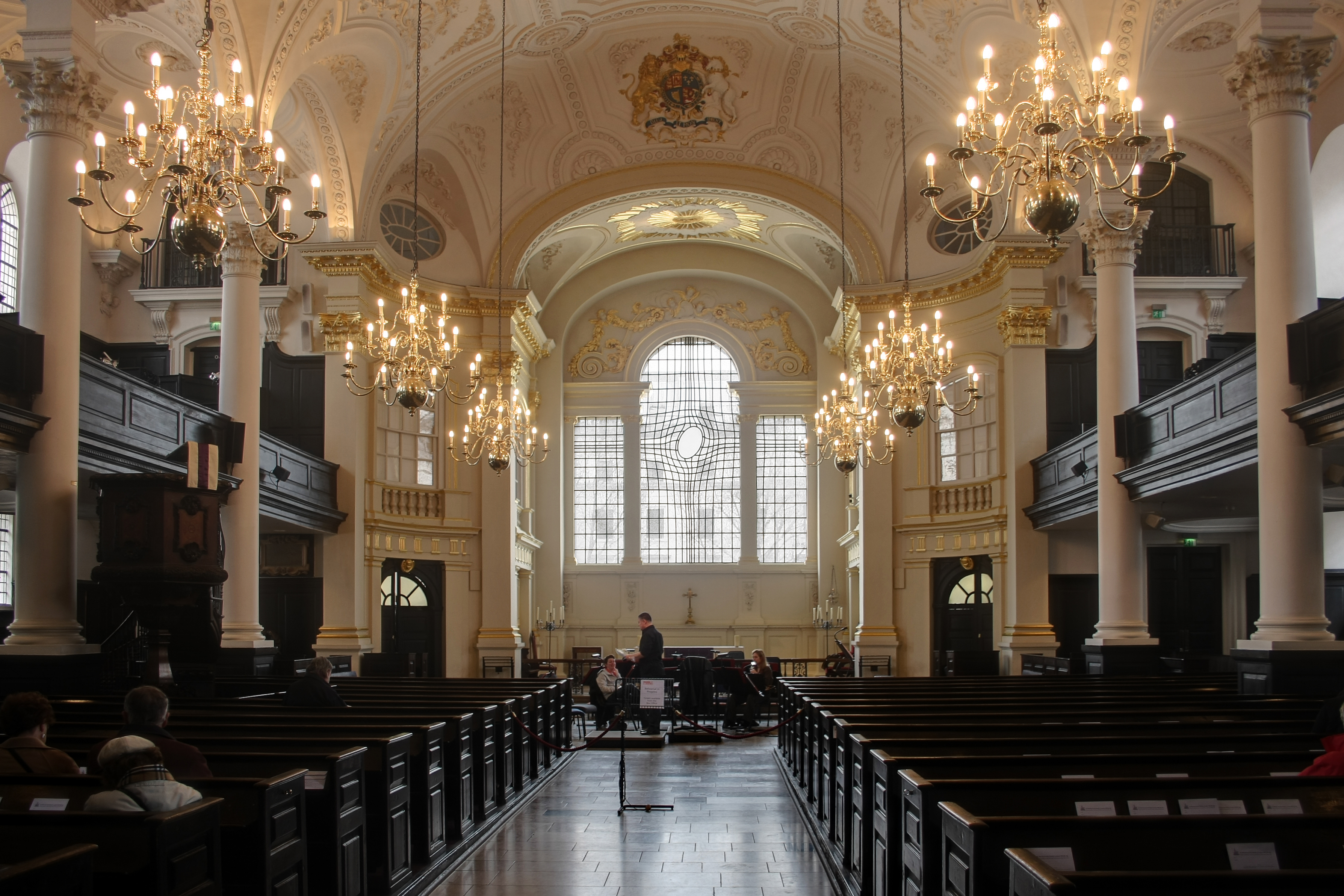 http://dic.academic.ru/pictures/wiki/files/83/Saint_Martin_in_the_Fields-2.jpg
