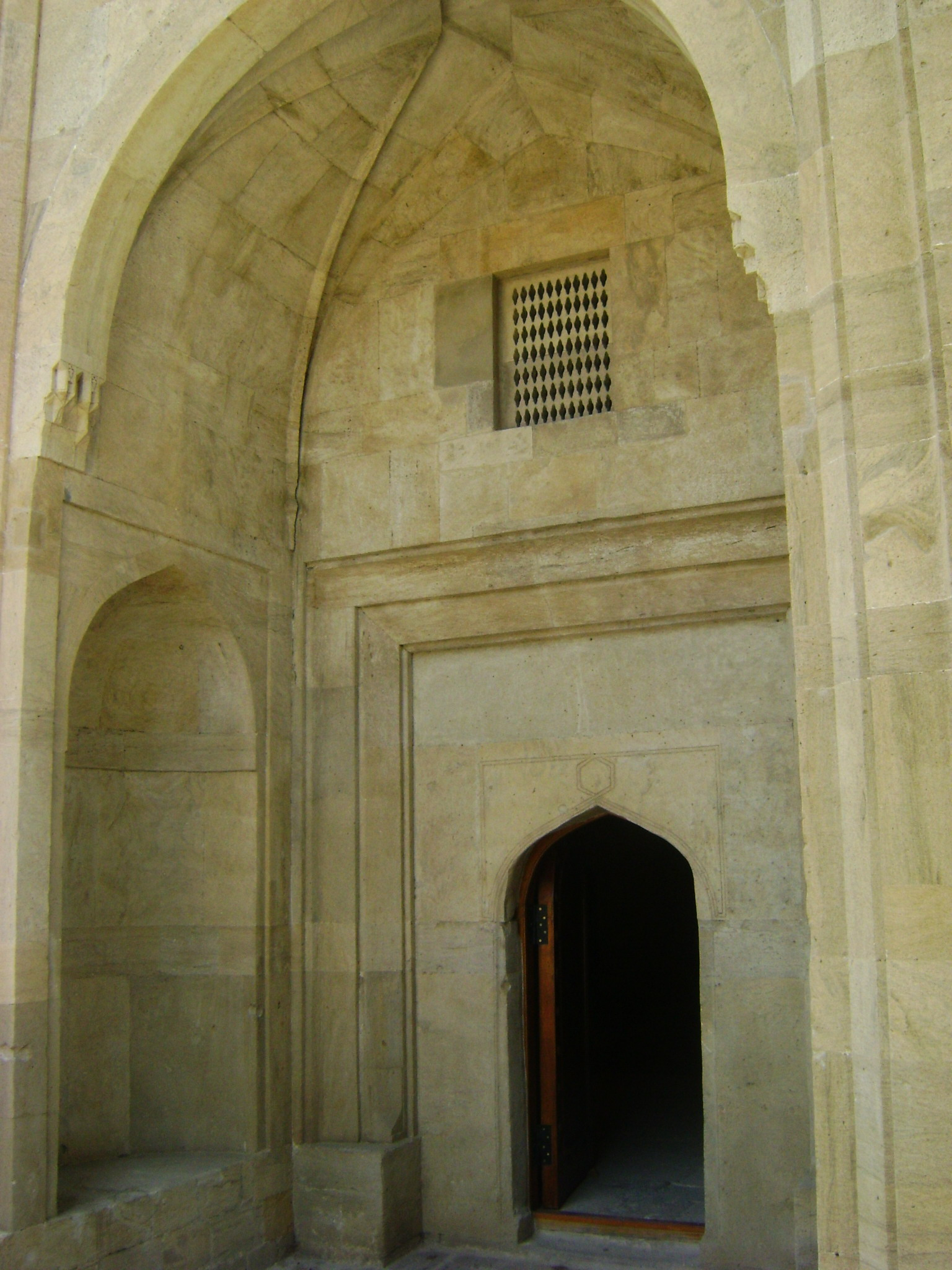 Shahs khans mosque shirvanshahs palace built in 1141 baku azerbaijan2