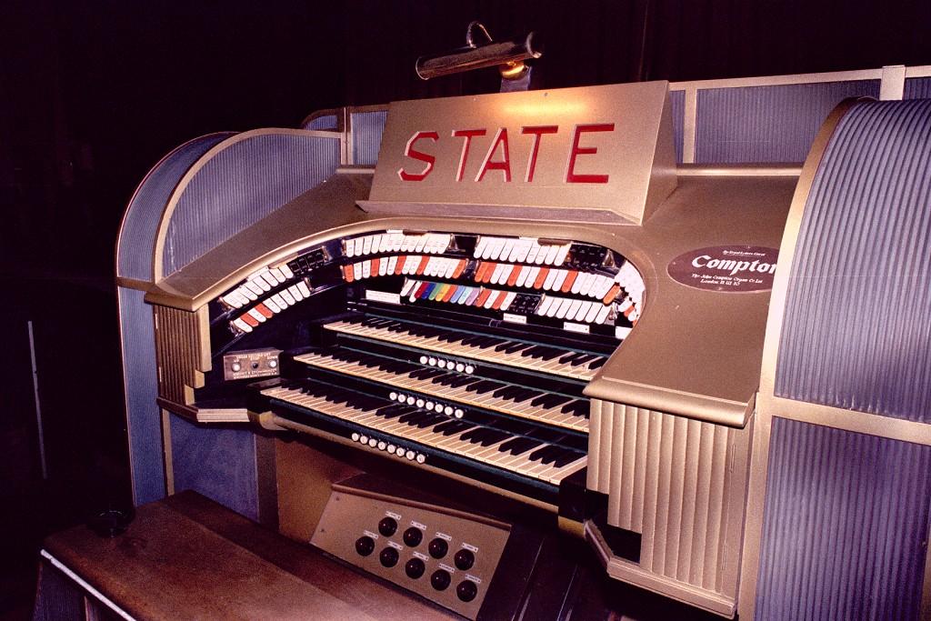 Театральный орган в State