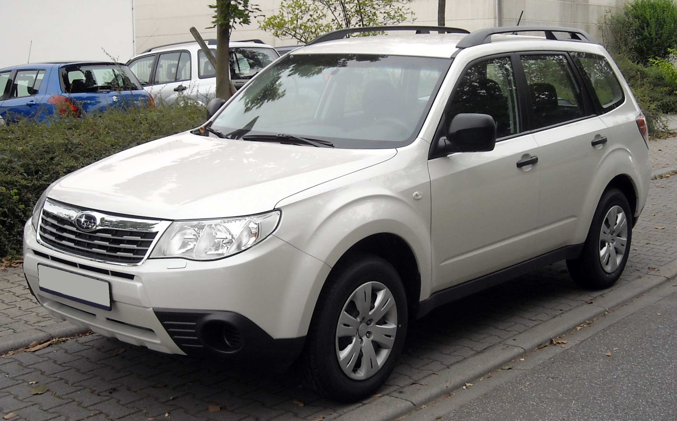 Subaru_Forester_front_20090722.jpg