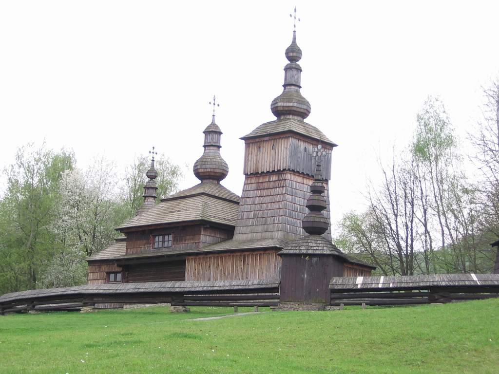 http://dic.academic.ru/pictures/wiki/files/83/Svidnik_skansen_church_01.jpg