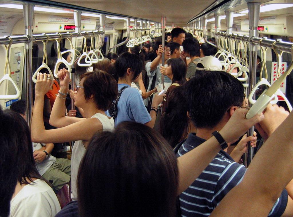 Смотреть приставания в общественном транспорте онлайн 6 фотография