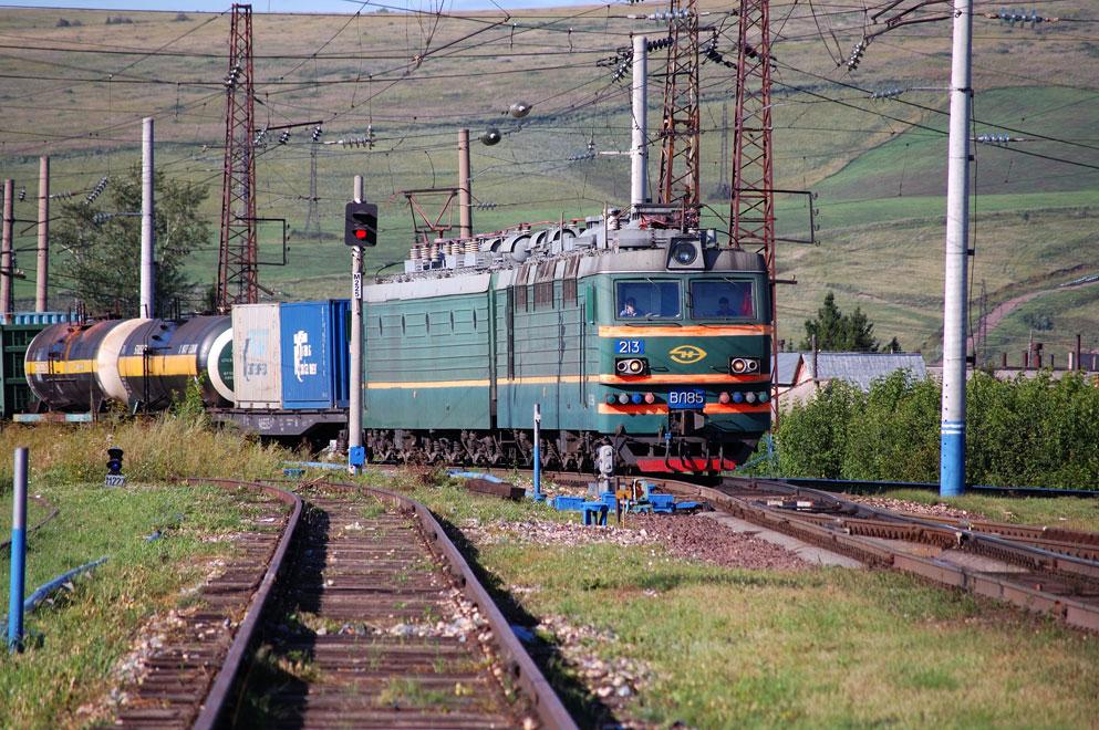 Электровоз ВЛ85-213 депо
