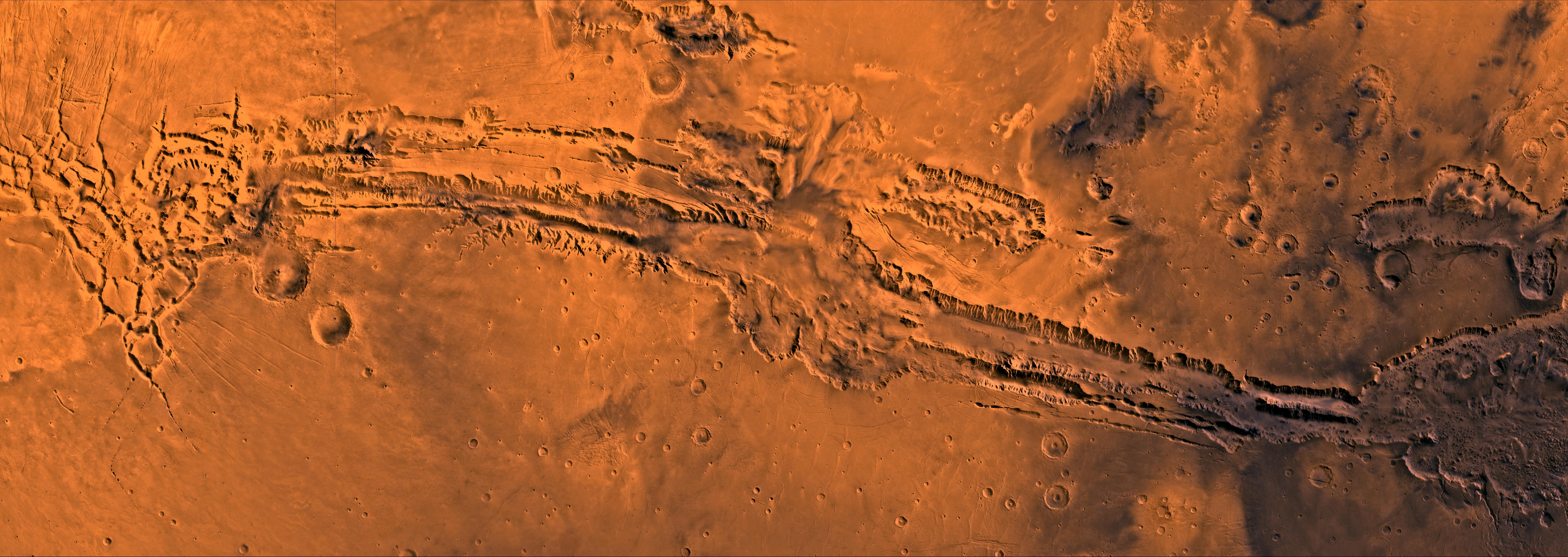 Долина маринера на марс е