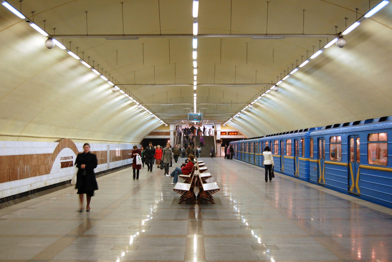 Секс в переходе в метро 13 фотография