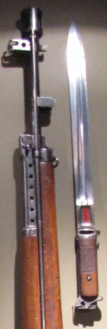 Ствол винтовки имел массивный